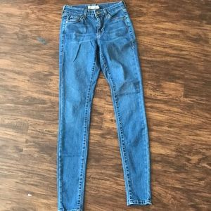 TOPSHOP Moto Leigh jeans size 25